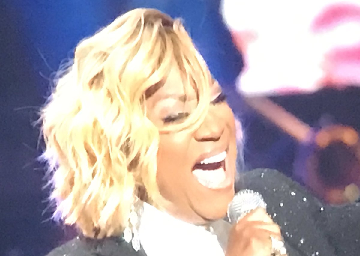 The great #PattiLaBelle singing for #ArethaAGrammyCelebration <br>http://pic.twitter.com/KF9GcCzHgP