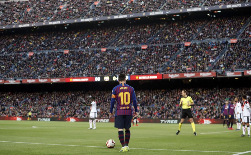 �� In a sea of 70,000 thousand faces, one stands alone. ���� #Messi https://t.co/q9u9QreCPl