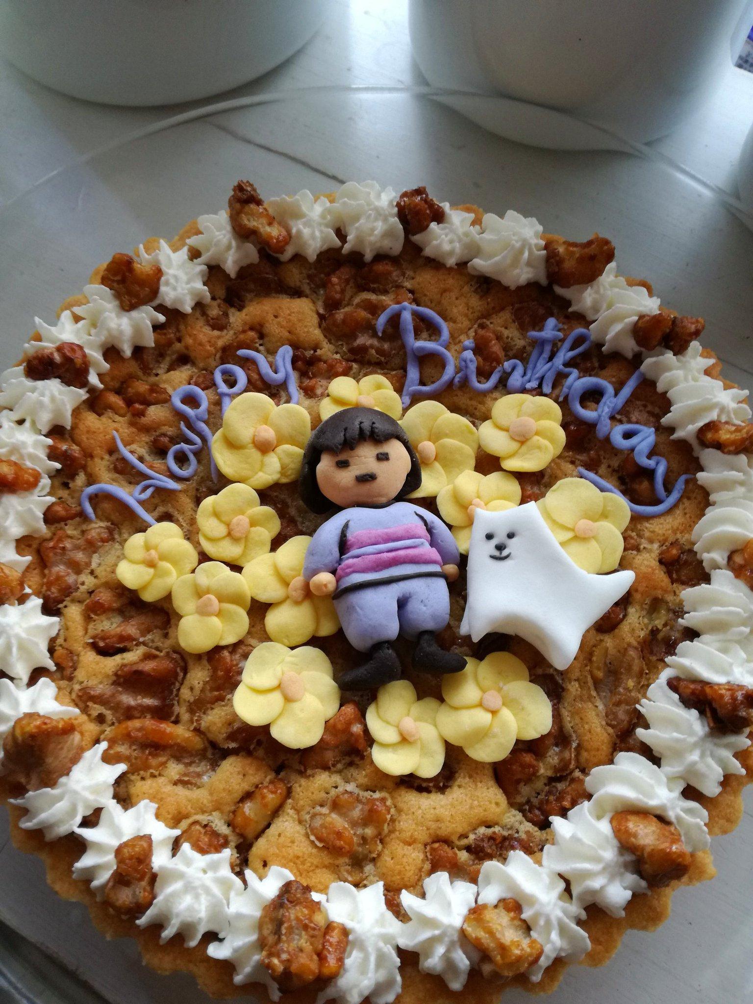 誕生日に母にケーキの設計図を渡すと作ってくれるんですが、これかわいすぎじゃないですか…?