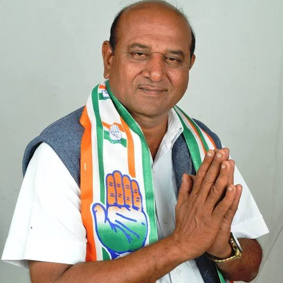 Jamnagar – Rural Congress MLA Vallabh Dharaviya resigns, joins BJP