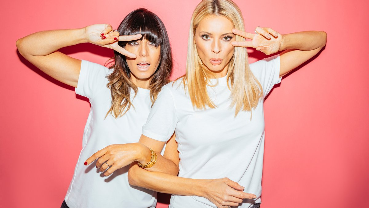 Press 🔴 at 7:15 tonight to see @ClaudiaWinkle and @TessDaly don their dancing shoes for the @comicrelief #RNDanceathon! https://t.co/hHneqndkbh
