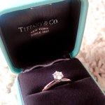 婚約指輪が盗まれました。どうか情報提供をお願い致します!