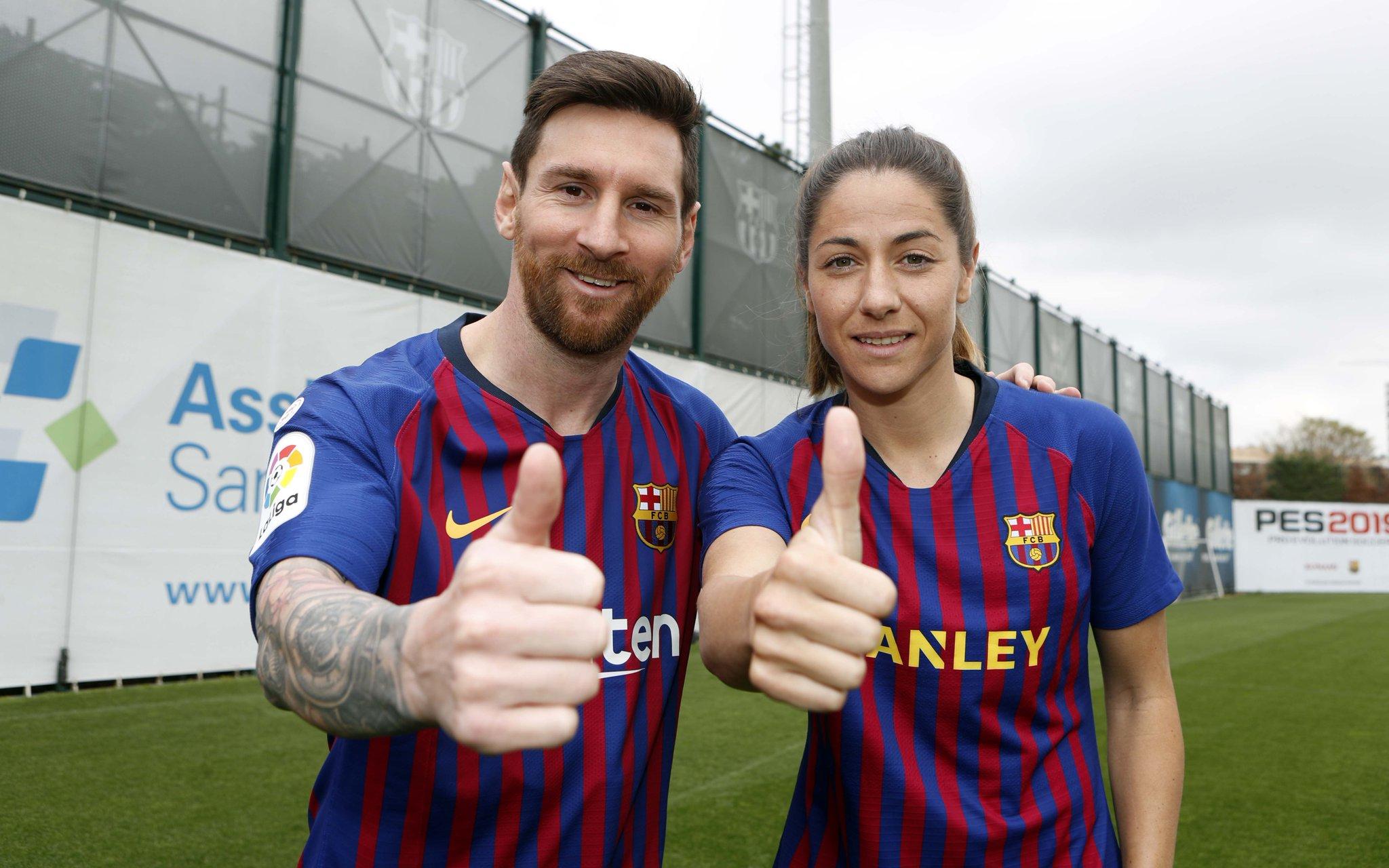 �� Leo #Messi & @losada_vicky  ���� Our captains @FCBarcelona @FCBfemeni  #WeAreFootballers https://t.co/gACDb0DFPC