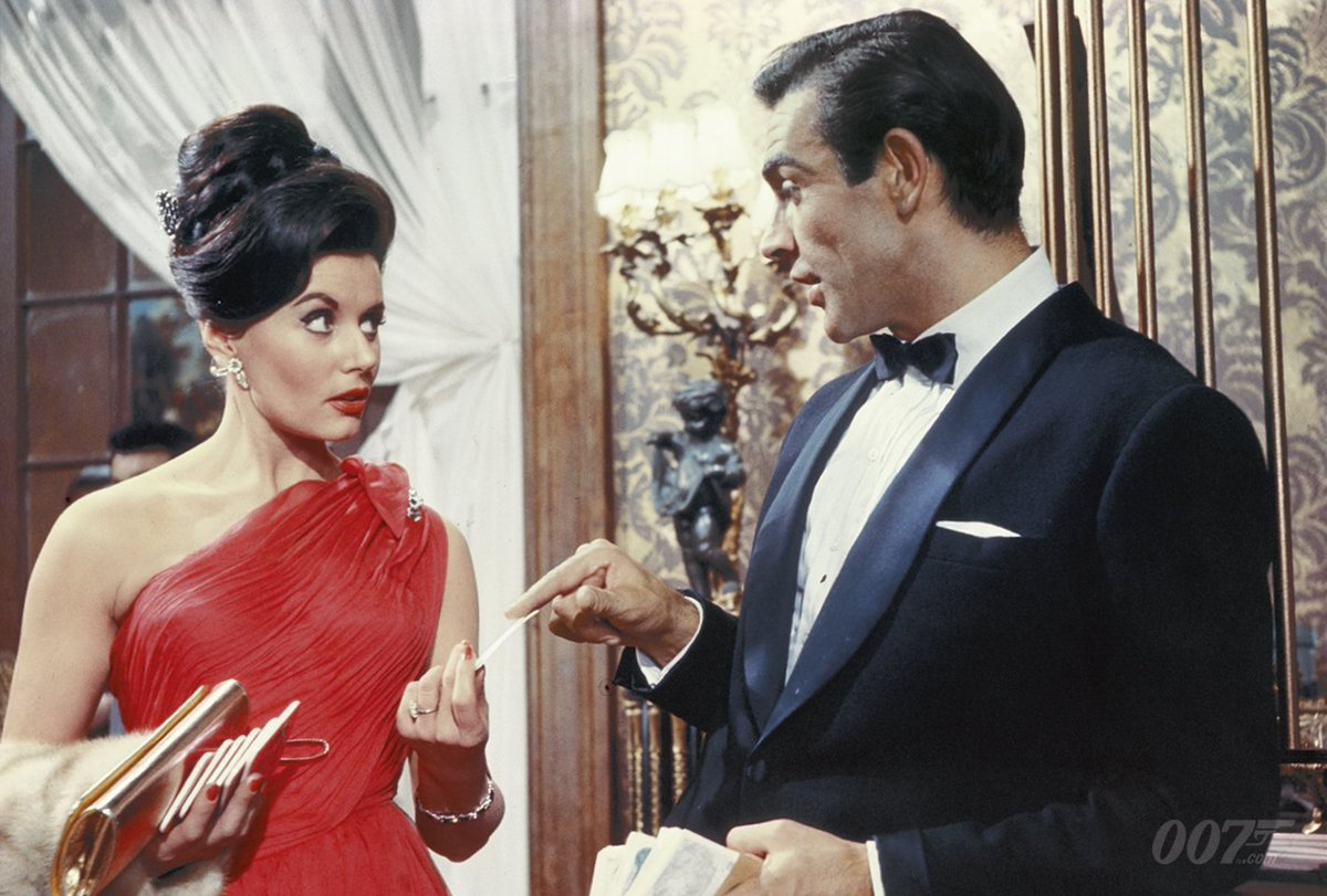 Eunice Gayson was born today in 1928. She played Bond's first love interest in DR. NO (1962) and FROM RUSSIA WITH LOVE (1963). She sadly passed in June 2018. <br>http://pic.twitter.com/LkwEZQ8POZ