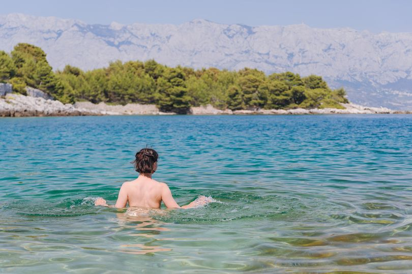 """test Twitter Media - """"After petitions were set up online and protests planned against a number of #nude swim sessions"""" @britnaturism has responded saying they take their """"safeguarding & health and safety responsibility seriously"""" & #naturism """"is a positive family lifestyle.""""https://t.co/WgYbtQgv1r https://t.co/aBnOG2zEAM"""