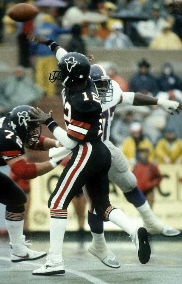 befdff6a7bb I think the USFL Oklahoma Outlaws were the first team to use a color rush  uni design... Any one know of an earlier dark on dark uni combo?