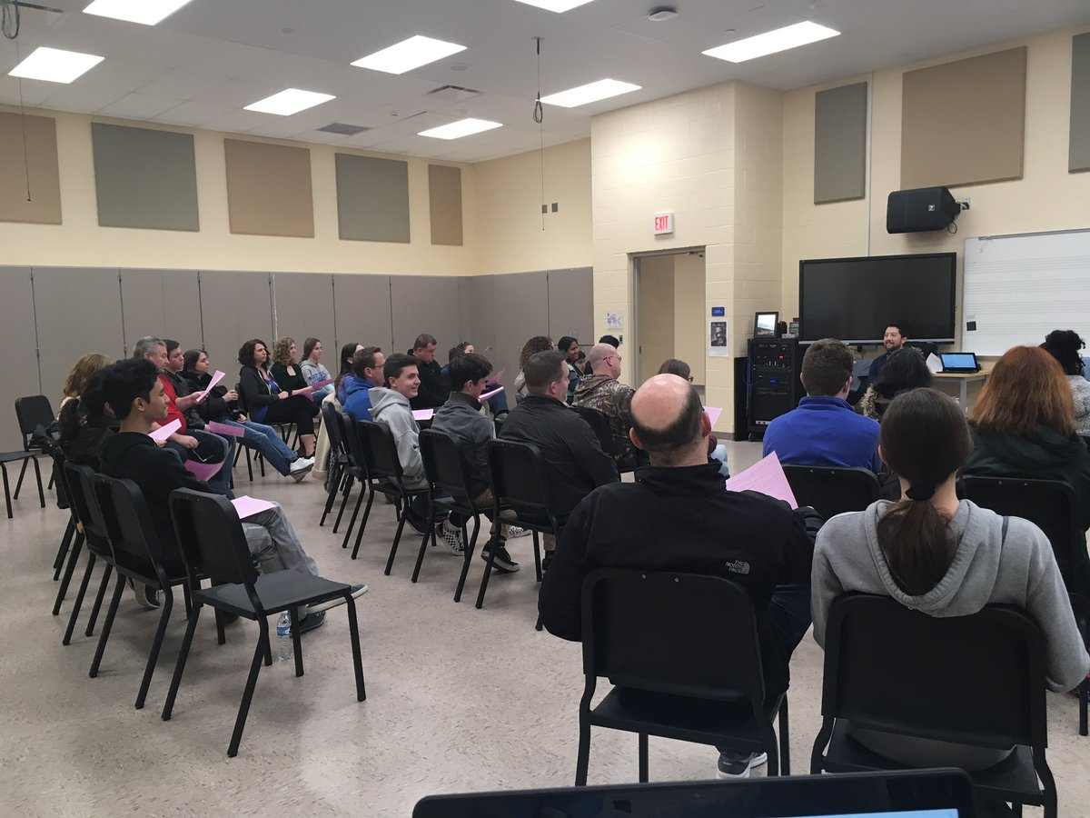 Great music meeting tonight with Mr S., students and parents. The dedication and commitment from our performing arts Dept and families is outstanding!  #shouldertoshoulder🐻🎼 @BerlinChoirs  @OlentangySD  @FriendsFbpa