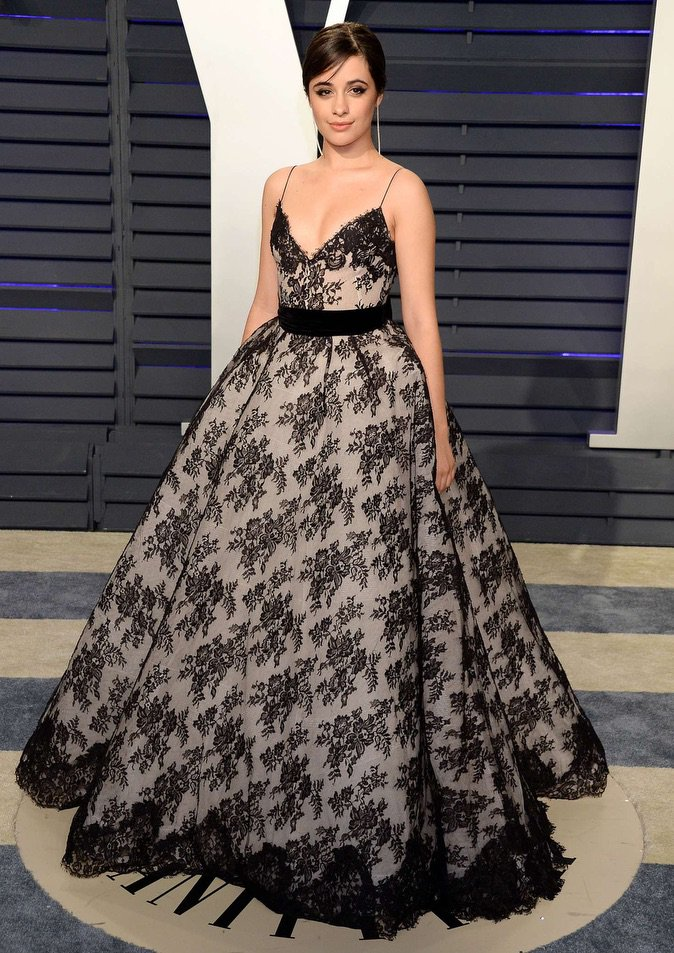 Camila Cabello wearing Narcisa Pheres earrings. #celebritystyling #Oscars #afterparty #4chionstyle #redcarpet @VanityFair  @Camila_Cabello<br>http://pic.twitter.com/fmUwwCGWrB