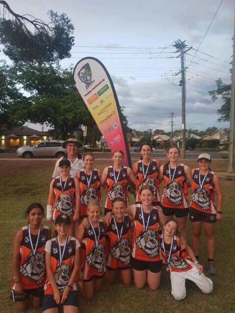 Well done @WaggaRSL Bulldogs Thunder Girls Cricket League team, premiers for 2018/19! @ThunderWBBL @CricketNSW @julie_stafford1