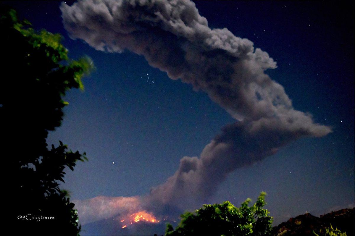 RT @9chuytorres: @webcamsdemexico la fuerte explosión del volcán @Popocatepetl_MX  desde Atlixxo Puebla https://t.co/DX7UH5k613