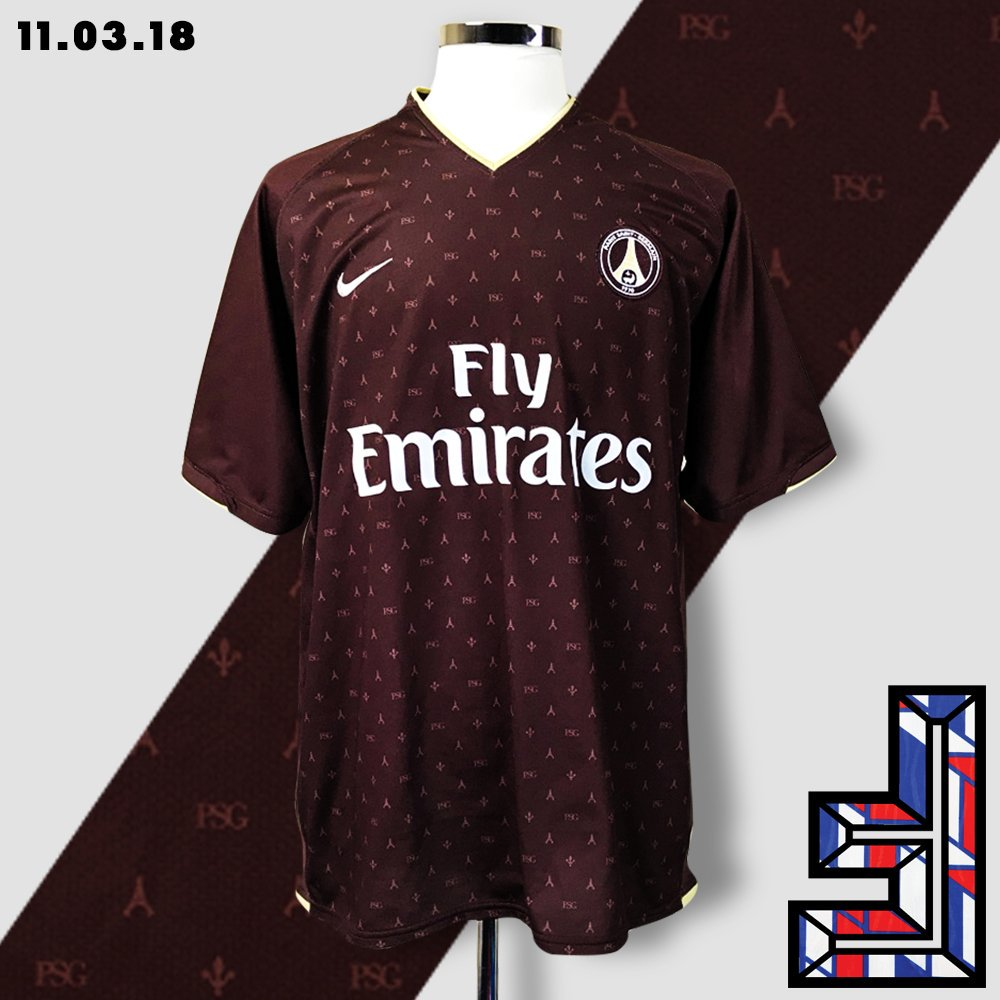Alex Chivar On Twitter Psg The Shirt Is Inspired In Someway By The 2006 Lv Kit And The 16 S In The Ginger Colorway A Subtle Eiffel Tower Pattern Was Added To The