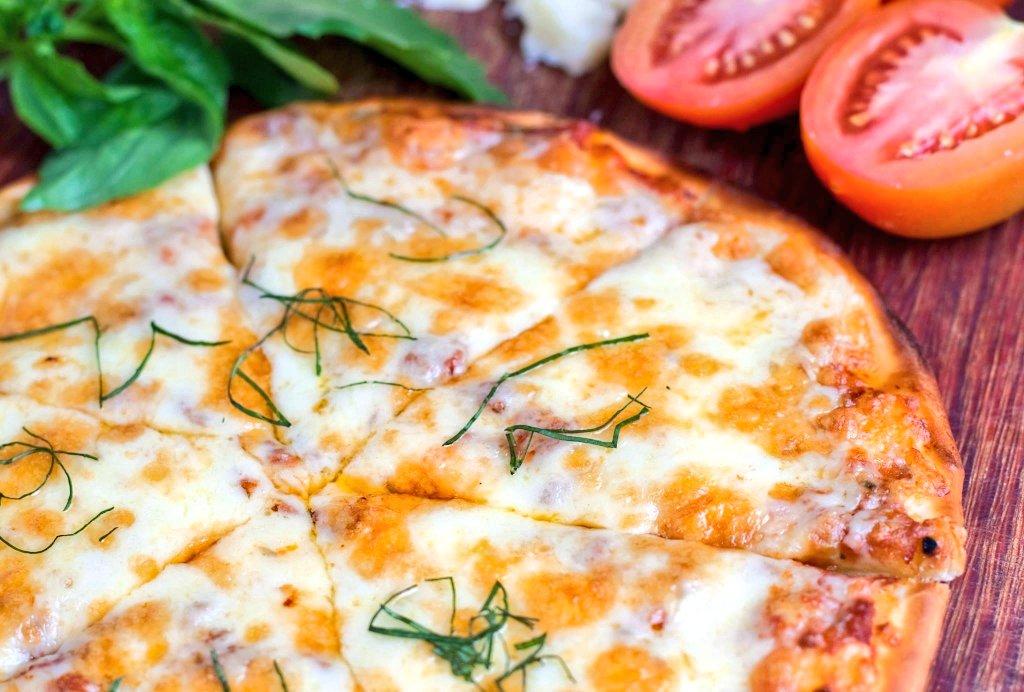 #Lunch ready! #pizzamargherita from Basilico Italian Pavilion in #PramaSanurBeach #Hotel #Bali! #pramaexperience #pramahotels #aerowisatahotels #pizza #pizzalover #kuliner #kulinerbali #balifoodies #balifoodguide pic.twitter.com/VUtXCb0Qgy