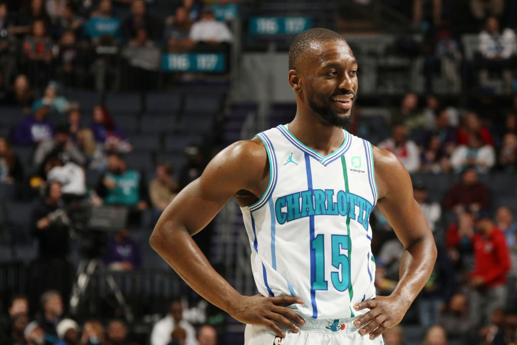 🏀 @KembaWalker leads the #NBA with 11.8 pick-and-roll possessions per game and scores 1.0 point per pick-and-roll possession.  8pm/et: #Hornets30 x #Rockets 10:30pm/et: #CUsRise x #ClipperNation  @NBATV stats tidbits: https://on.nba.com/2O4SOl3