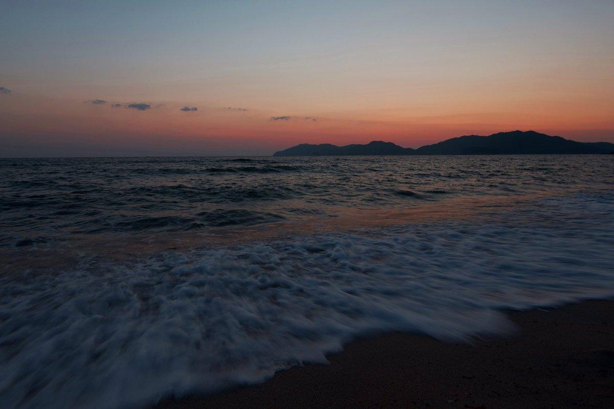 光に行ったついでに虹ケ浜に寄ったら懐かしい波の音がした。 https://t.co/bJnzczVIXi