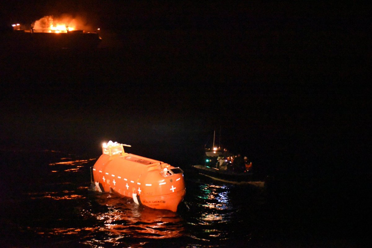Not what we expected to find on our way home. But the affinity between all mariners at sea meant we could save all 27 lives onboard. Through close co-operation with @MarineNationale and @SGMer. Exceptional effort by all the team onboard. #savinglivesatsea #teamwork