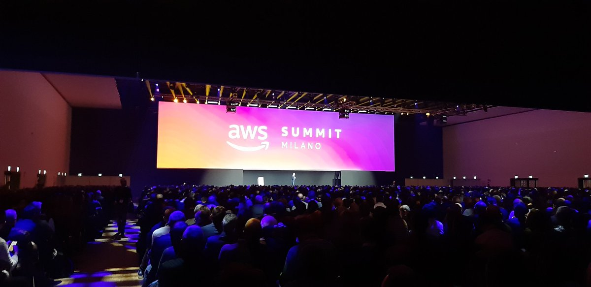 Presenti  #aws_italy https://t.co/z5IanvCedx