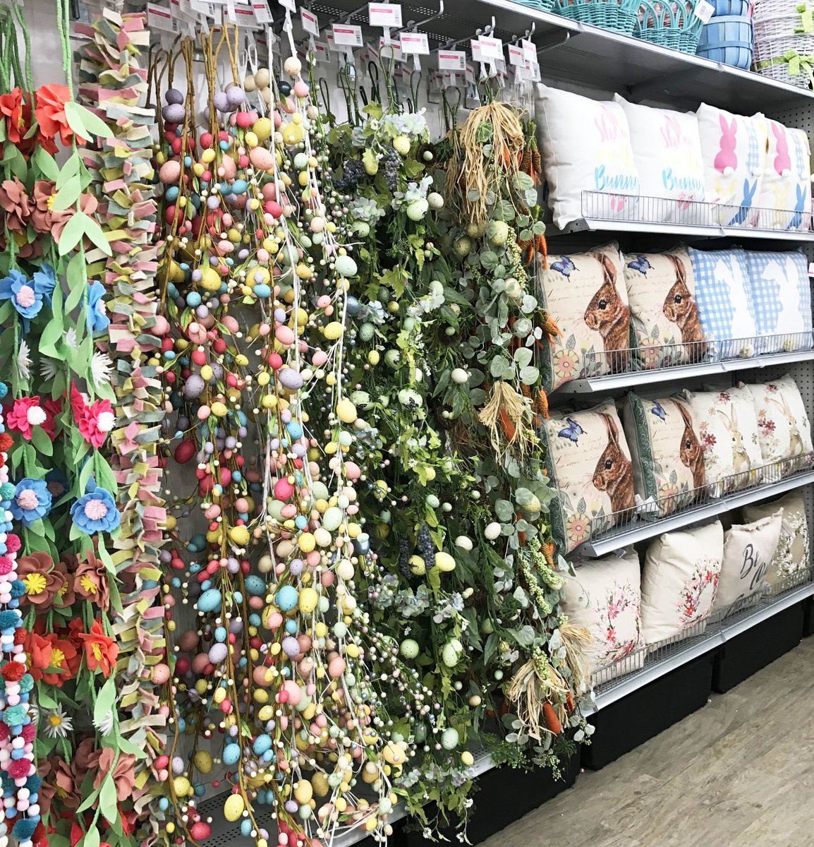 Michaels Stores ( MichaelsStores)  3ab4798c6a3
