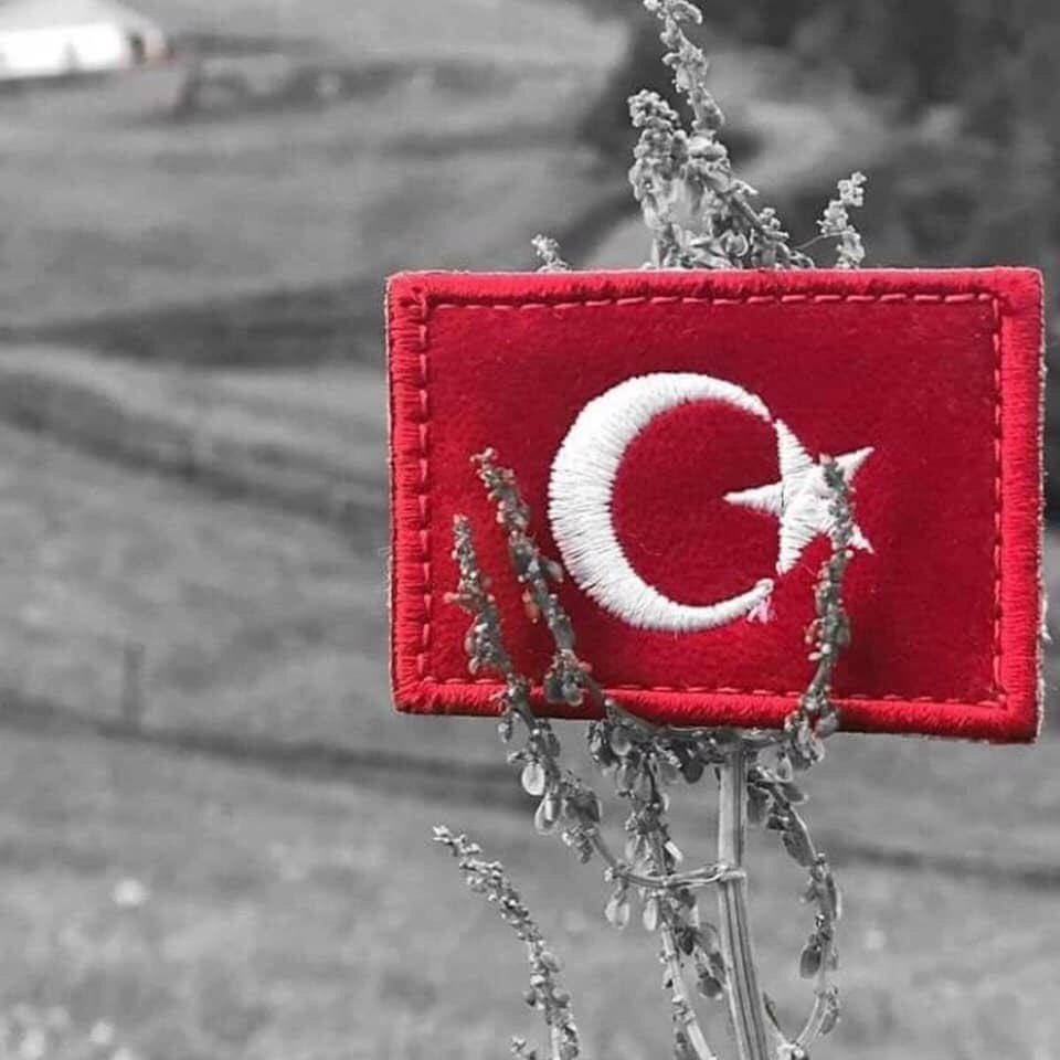 Unutma , KORKMA! diye başlıyor senin İstiklal Marşın!  İstiklâl Marşı'nın kabul yıldönümü kutlu, yazarı Mehmet Akif Ersoy'un ruhu şad olsun! #MehmetAkifErsoy #İstiklalMarşı