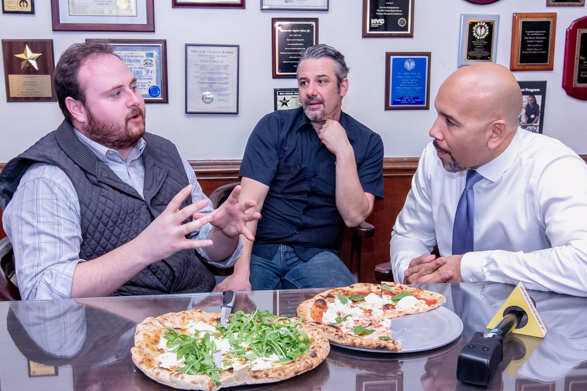 BREAKING: Bronx reporter innocently suggests that @rubendiazjr should try dipping a white slice of pizza into a side of sauce and then this happens:  (a photo series)