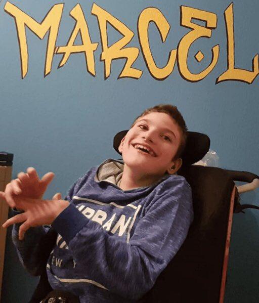 Marcel begleiten wir schon eine Weile. Im vergangenen Jahr haben wir ihm einen GravityChair finanziert.💚  Nun haben wir seine Familie finanziell unterstützt, damit das Zimmer des jungen Mannes modern und altersgerecht eingerichtet wird.🌟  Zur Story▶️ https://www.tonikroos-stiftung.de/blog/artikel/news/detail/News/ein-rueckzugsort-fuer-marcel.html…