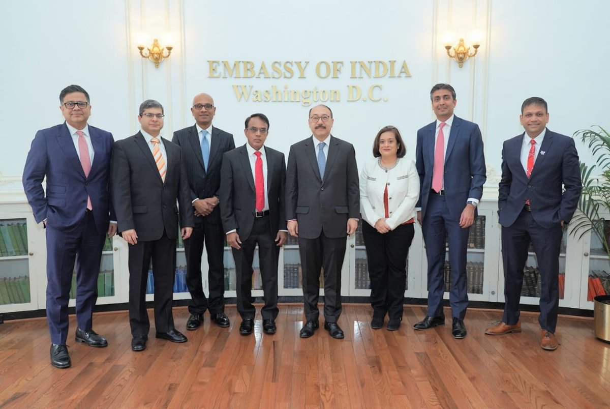 . @nasscom delegation called on Ambassador @HarshShringla @IndianEmbassyUS and highlighted the importance of @Indian IT industry in strengthening 🇮🇳 🇺🇸 ties; its contribution of over $58 billion to US GDP, creating direct & indirect employment of over half a million jobs in 🇺🇸