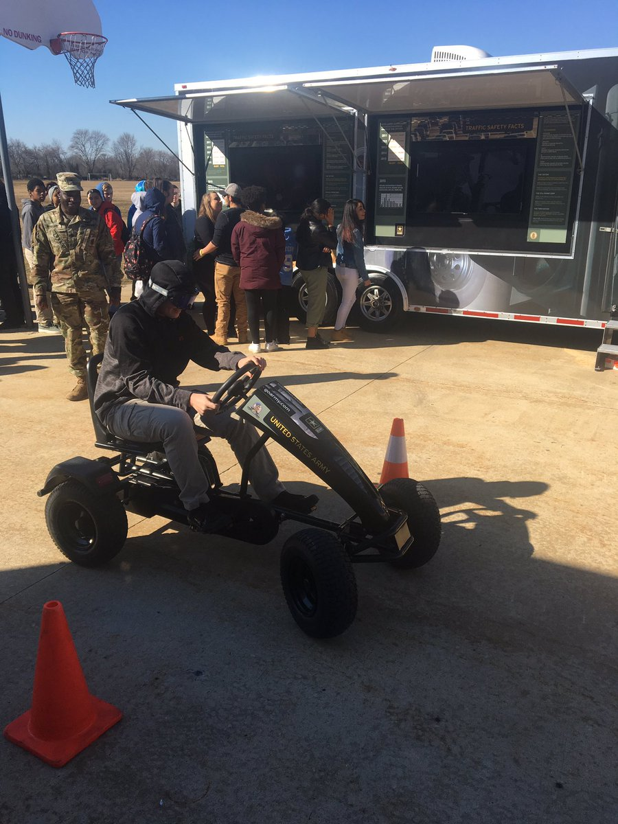 US Army at Medford Tech today. Students visiting distracted driving simulators.  @BCITMedfordCTE @BCITTWEETS