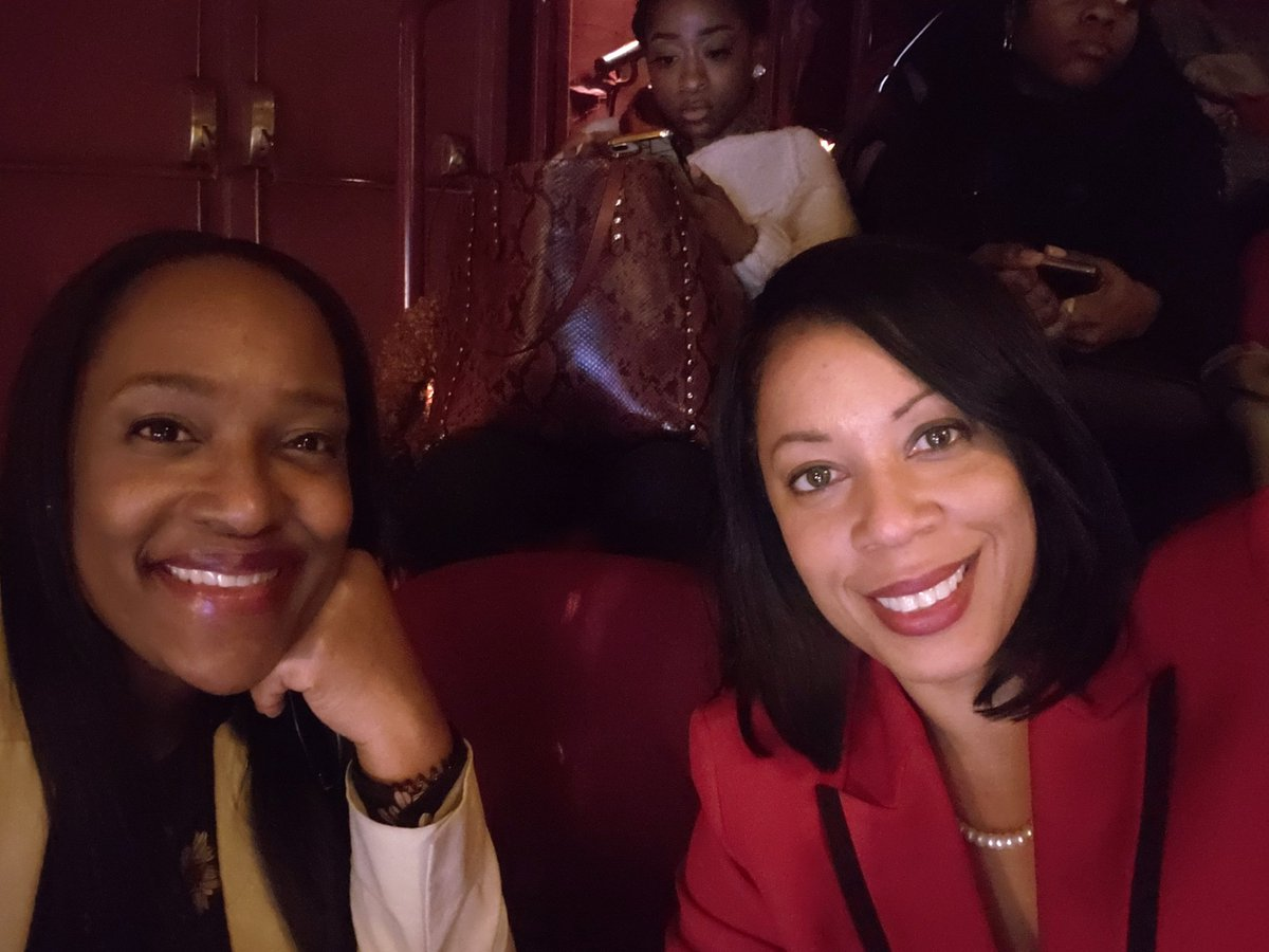So excited to celebrate #WomensHistoryMonth in my home town at Harlem's World Famous @ApolloTheater to hear from my Sorors #NikkiGiovanni and #JohnettaBCole. #WowApollo #WomenWhoWow @dst1913 @easternregdst