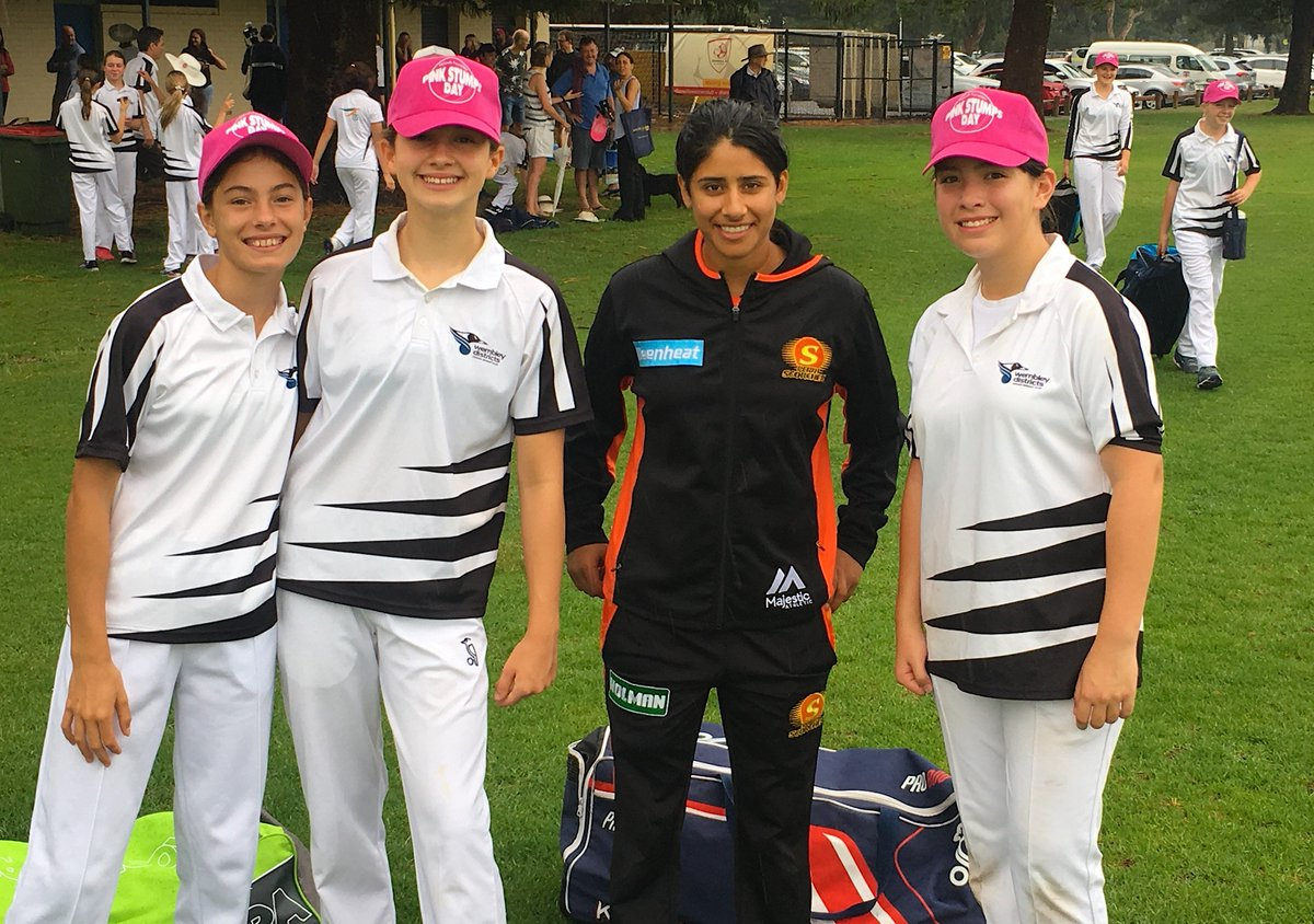 Top effort by the girls! 👏Bhavi celebrated the Wembley Districts u13s final game of the season with Pink Stumps Day @McGrathFdn 💫 #MADETOUGH