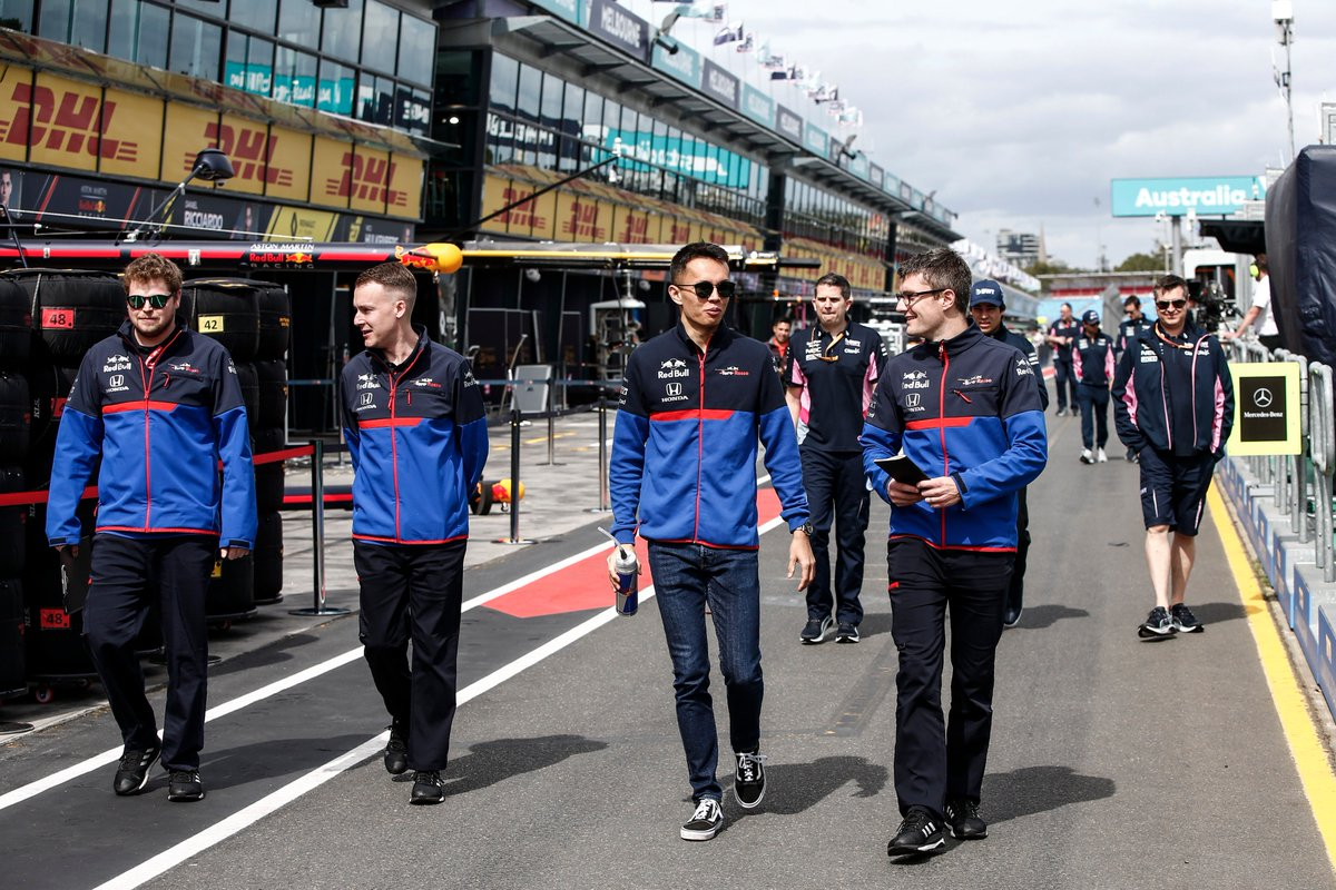 The first track walk of the season 👣  Wrighty headed out with Alex earlier this afternoon to inspect the track ahead of Race 1!  Right now though, it's time for #F1Launch2019  #PoweredByHonda https://t.co/mh1C3h3zMo