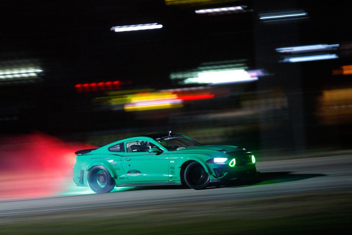 気になる車・バイク動画❄️'s photo on #Ford