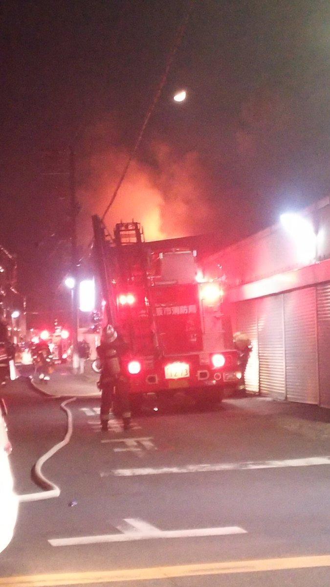 東大阪市寿町で危険物火災の現場画像