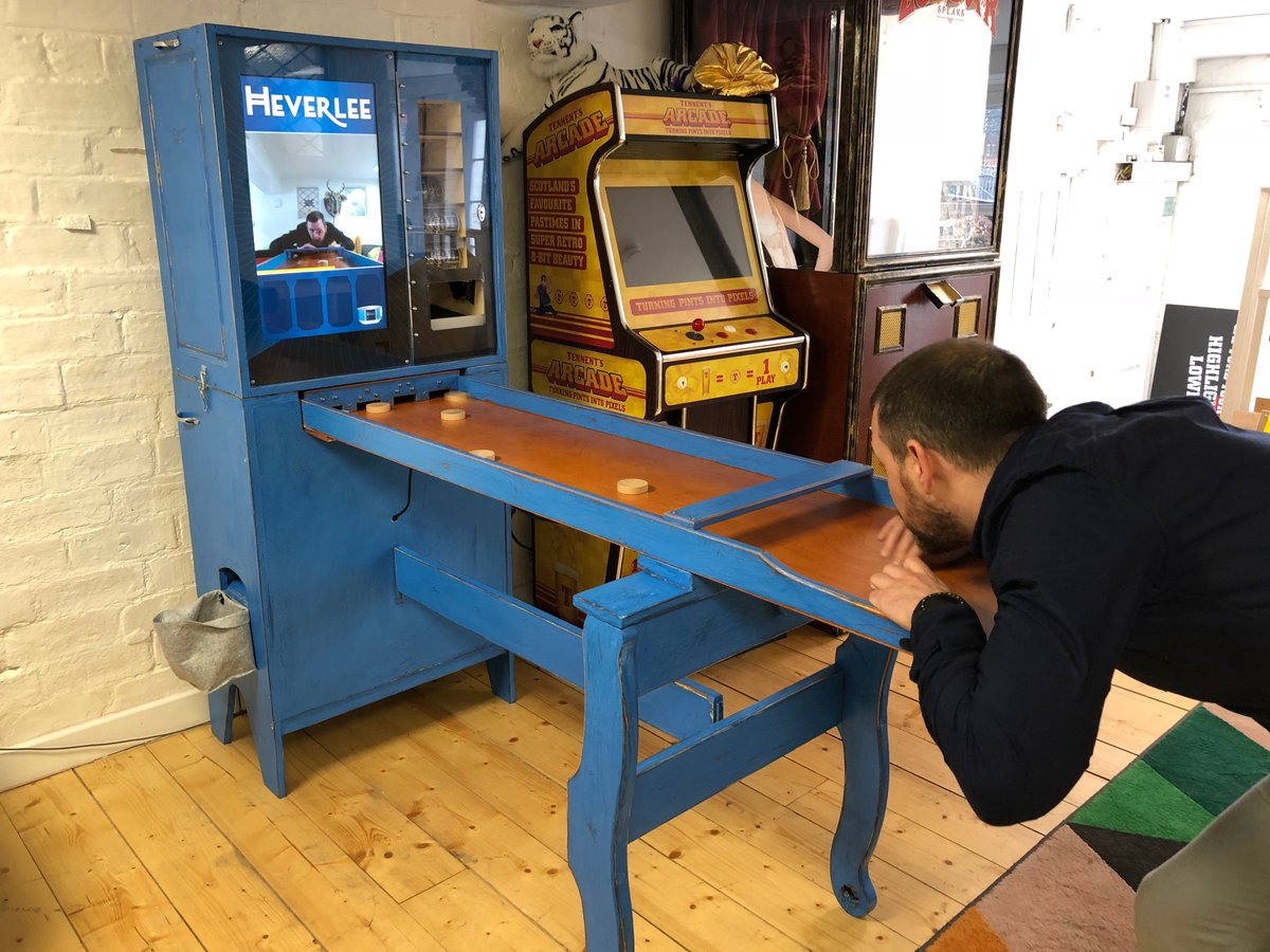 Who knows what Sjoelen is?  Thanks to @grant_gibson, your next game of Sjoelen can tell you the score via Raspberry Pi, and reward you for your shuffle with beer: https://www.raspberrypi.org/blog/play-heverlees-sjoelen-win-beer/…