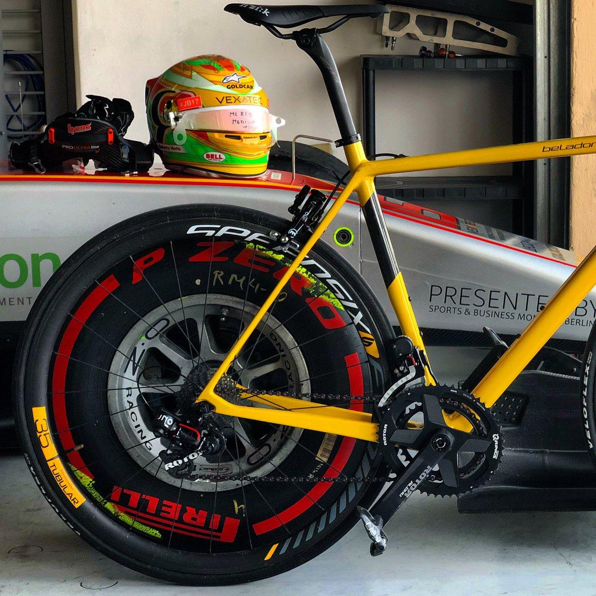 Menuda combinación se ha quedado yo creo que ahora si que ira rápido la @BerriaBike montada con @ROTOR_bikeES y con las @Speedsix_wheels 100% 🇪🇸 junto a mi coche de competición de @CamposRacing #rotorUno @BellRacingHQ ¿Que os parece?