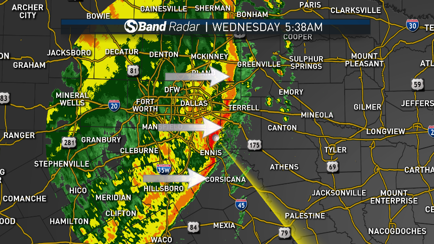 Behind this line of storms, the strong wind threat has ended. Ahead of the line, damaging winds will be possible. #NBCDFWWeather