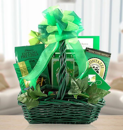 Amerigiftbaskets St Patty S Day Snack Basket Wednesday Pictures Gift Gifts Giftbaskets Personalized Birthday