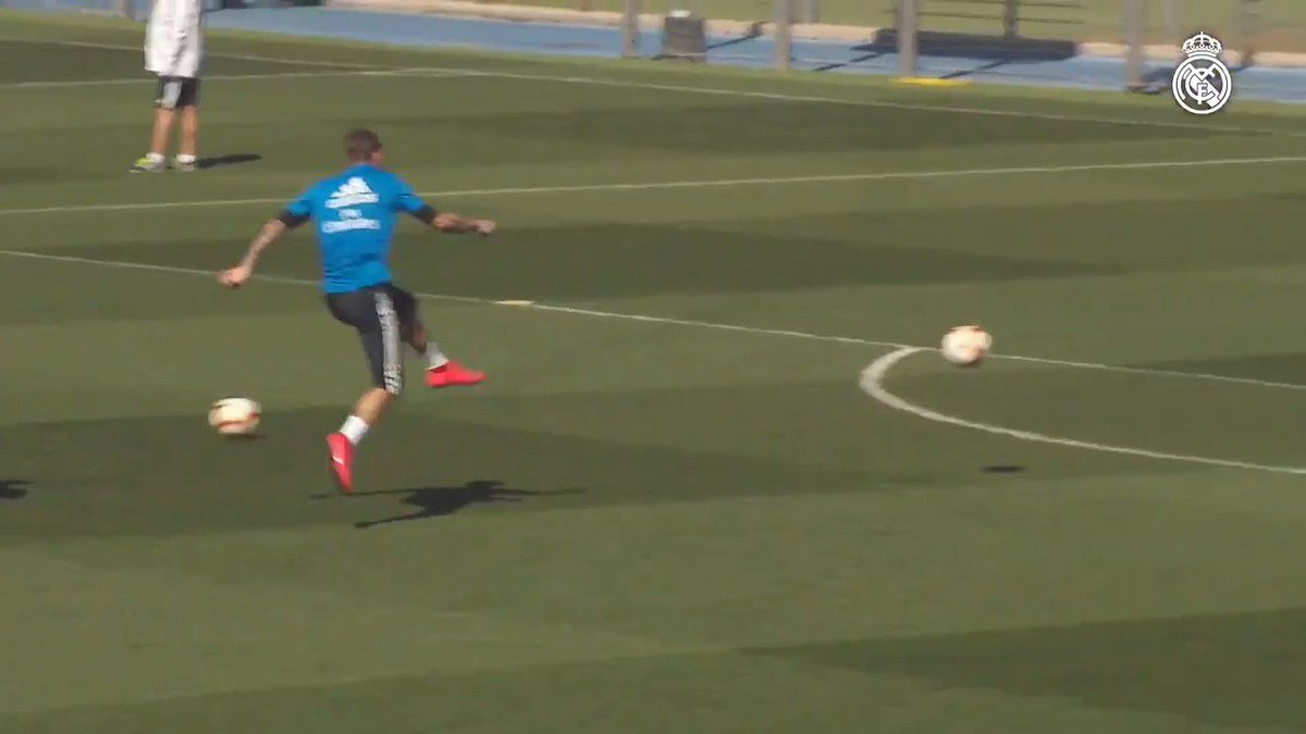 ⤴ Zidane 💥 @SergioRamos #RMCity   #HalaMadrid