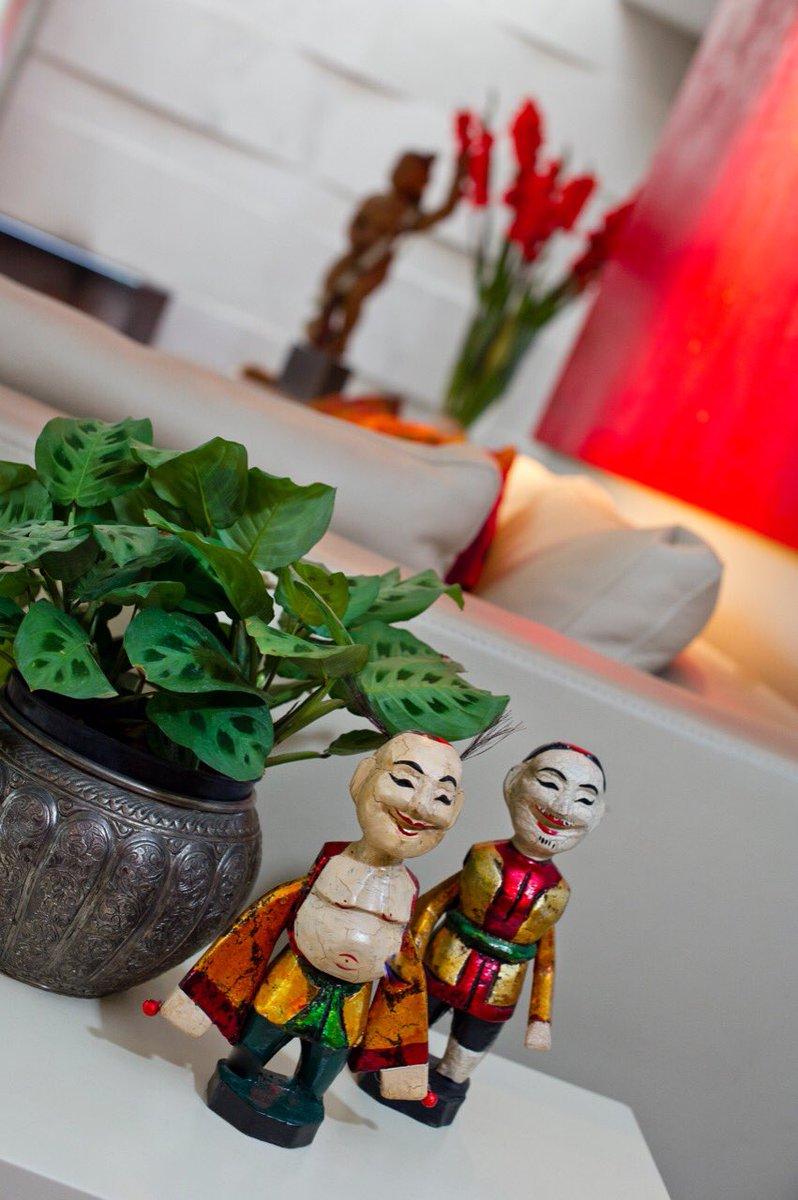 Las esculturas pequeñas le dan sabor a la biografía de una familia, nos cuentan una historia. Funcionan perfecto encima de un libro, junto a una planta o sobre una caja. #diseño #FelizMiercoles https://t.co/zuMmv099Ko