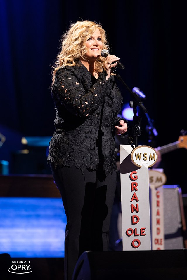 A beautiful night for a beautiful #OpryMember.   Happy 20th #Opry Anniversary, @trishayearwood — we couldn&#39;t love you more!<br>http://pic.twitter.com/t42adwjH5J