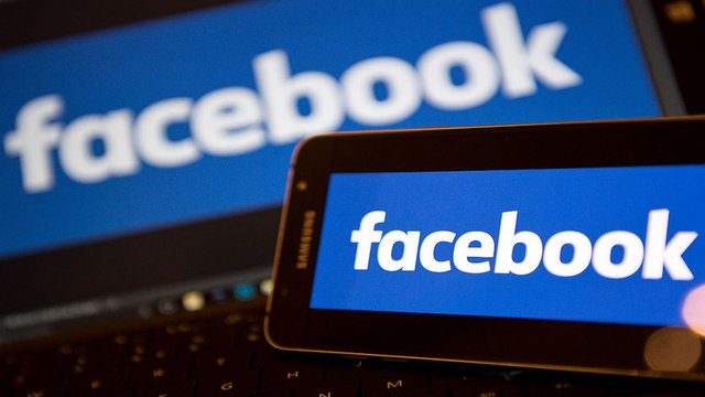 #Facebookdown and #Instagramdown trend as outages are reported around the world https://t.co/it171clAHD https://t.co/kAnUOBakIE