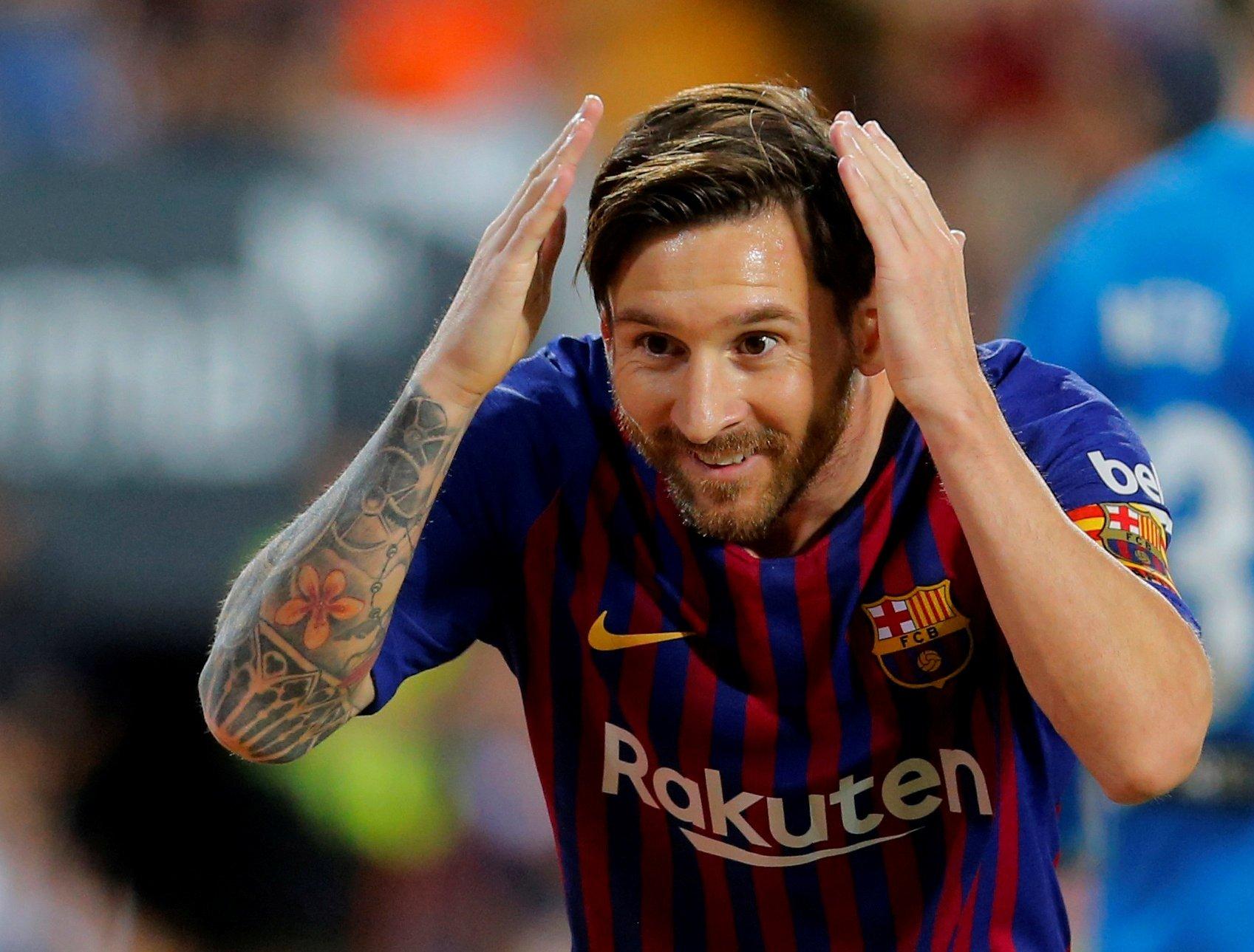 ميسي يسجل الهدف الأول لبرشلونة في مرمى ليون على طريقة بانينكا