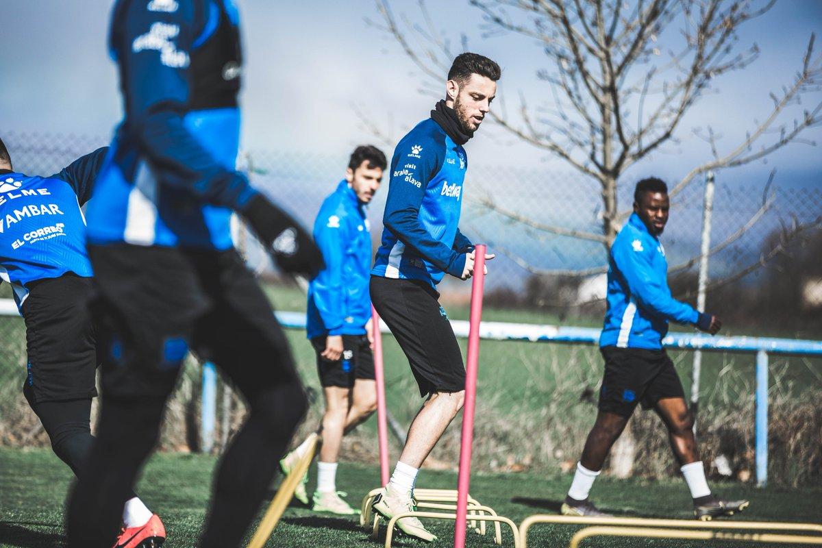 Burgui, en un entrenamiento con el Alavés (@Alaves).