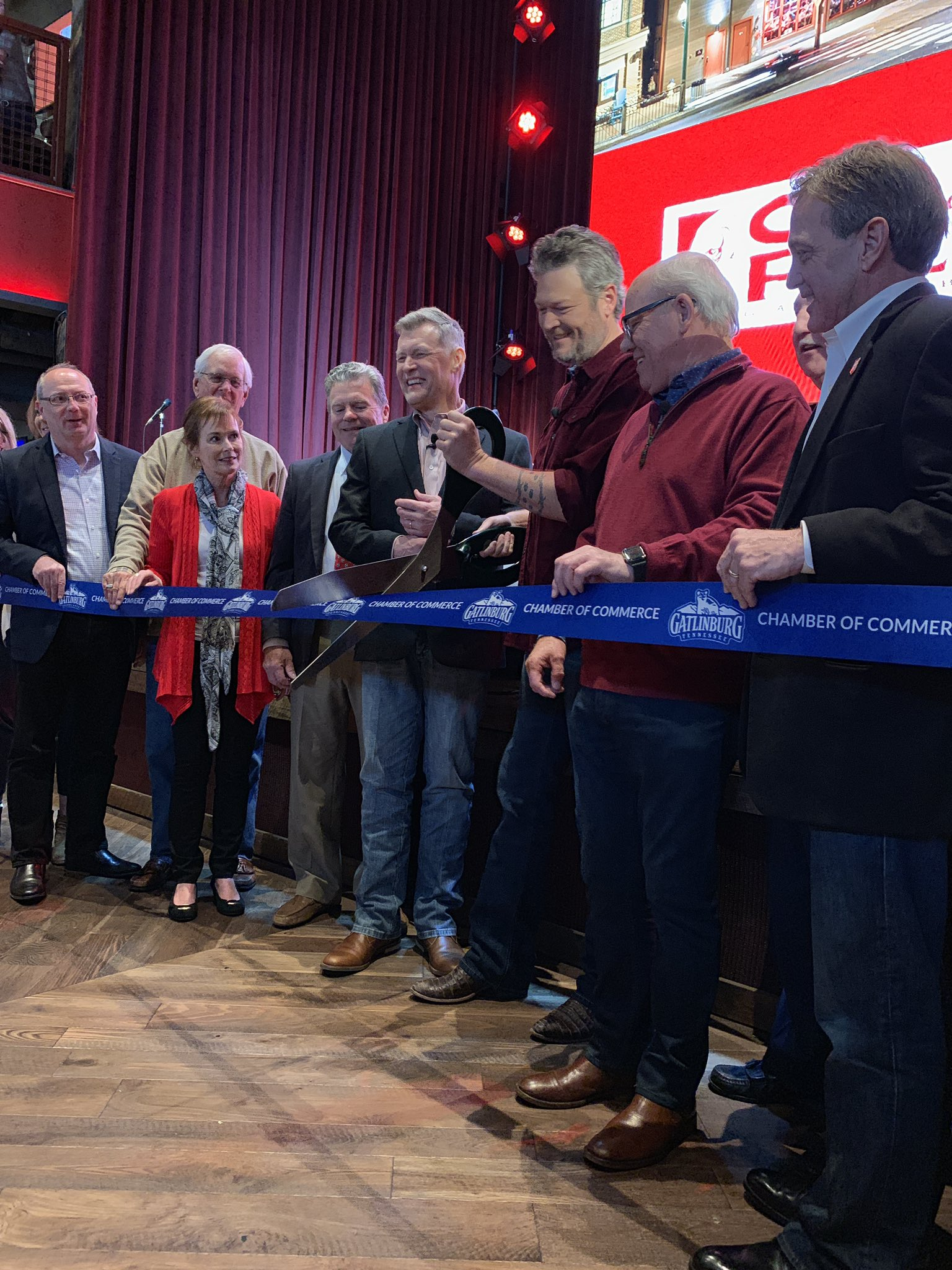 It's official! @OleRedGburg is open for business! See y'all tonight! - Team BS https://t.co/CyBsaqMgOY