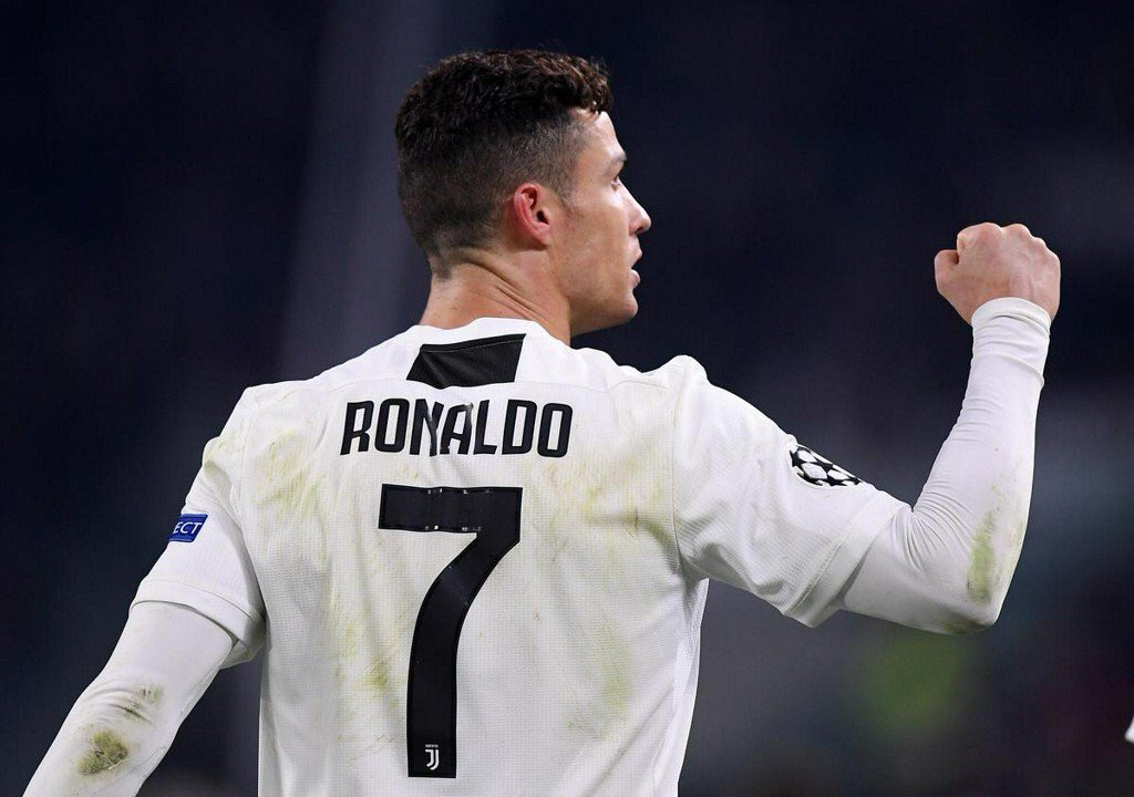 Ronaldo last night: Three goals. Messi tonight: Two goals & two assists.  The Earth is 4.5 billion years old and we're lucky enough to be alive to watch Cristiano Ronaldo and Lionel Messi play football.  ⚽️🙌