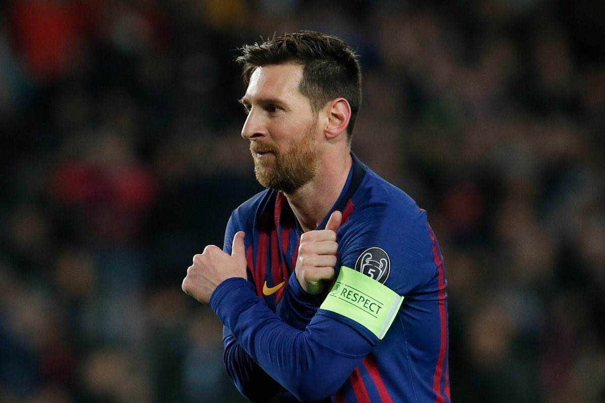 It's now our turn to do this...  Like for Ronaldo Retweet for Messi