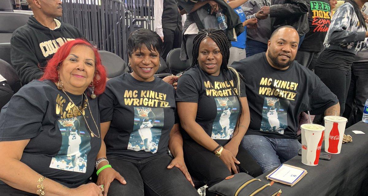 We found @kin_wright25's hype team.   SKOOO.