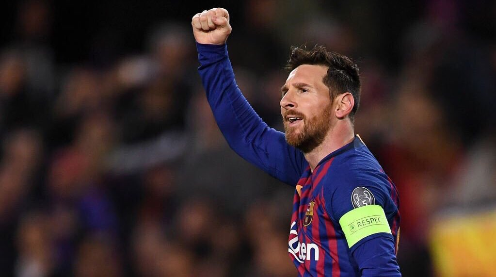 "Nabil Fekir on Messi: ""When he's not scoring,he's assisting. When he's not assisting,he's playmaking.  We played a good game but history's best player made it impossible.""  The fact Messi is one of the best ever playmakers,wingers & goalscorers rolled into one, is why he's the 🐐"