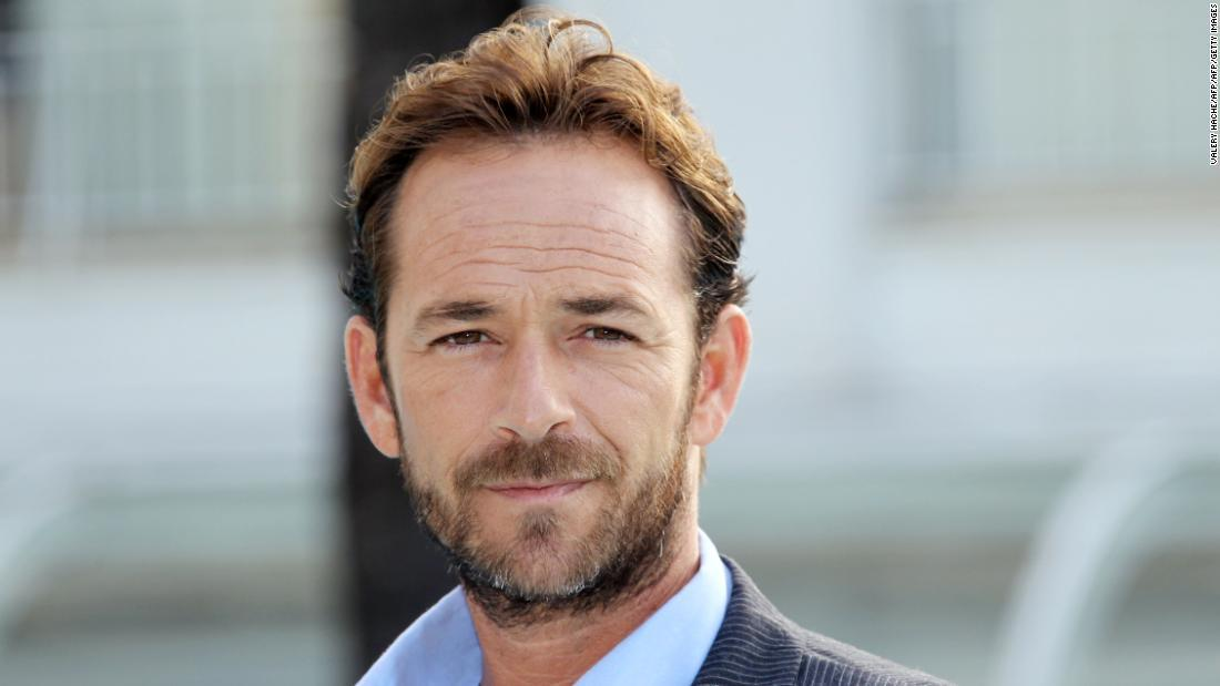 Actor Luke Perry was laid to rest in Tennessee cnn.it/2FawGSf