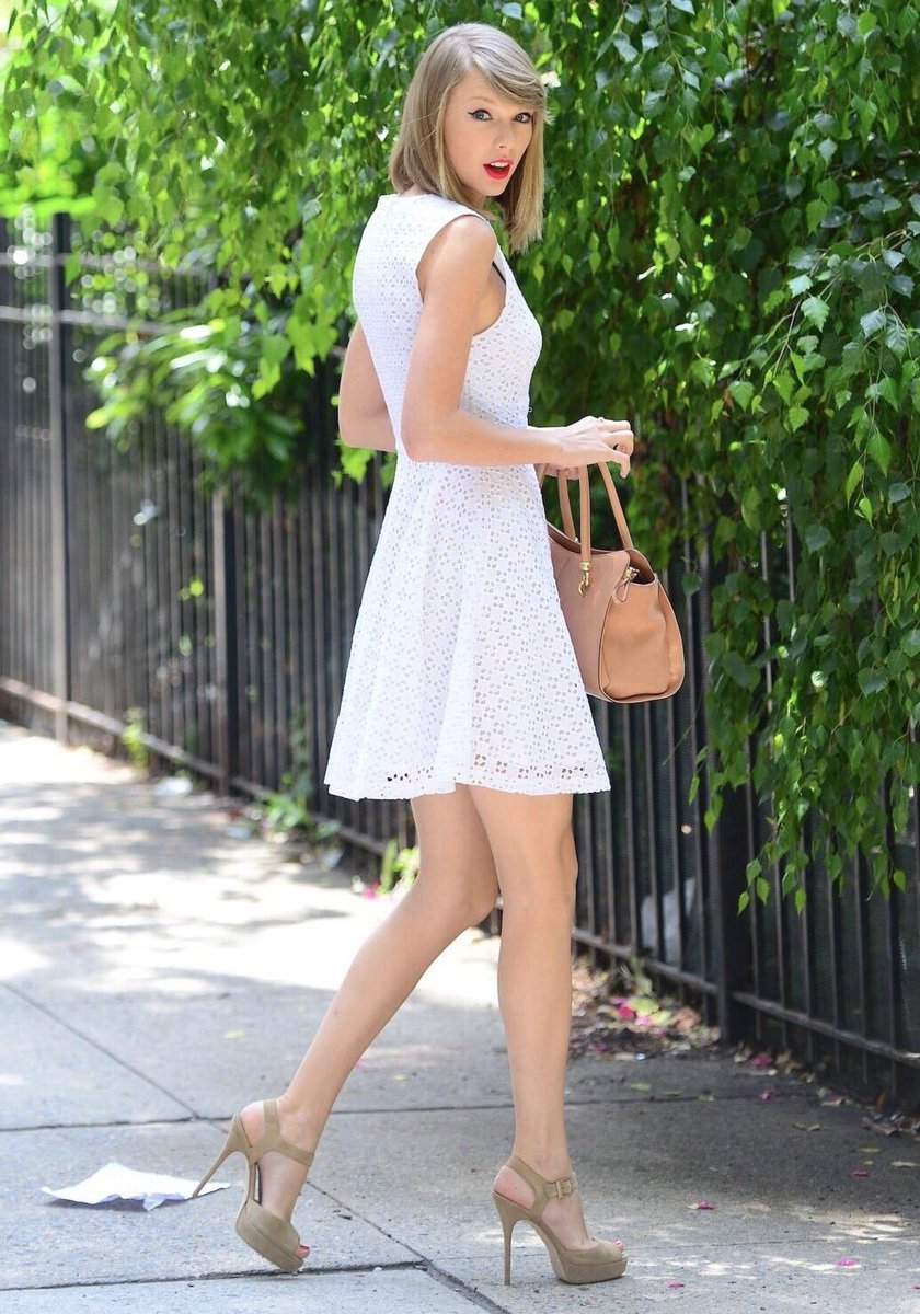 Which candid? Vote below! #TaylorSwift #Swifties #candid #TS1989 #reputation <br>http://pic.twitter.com/7PUuAFEH6Z