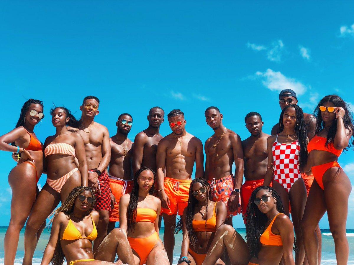 ORANGE is the new BLACK – at Cancun beach