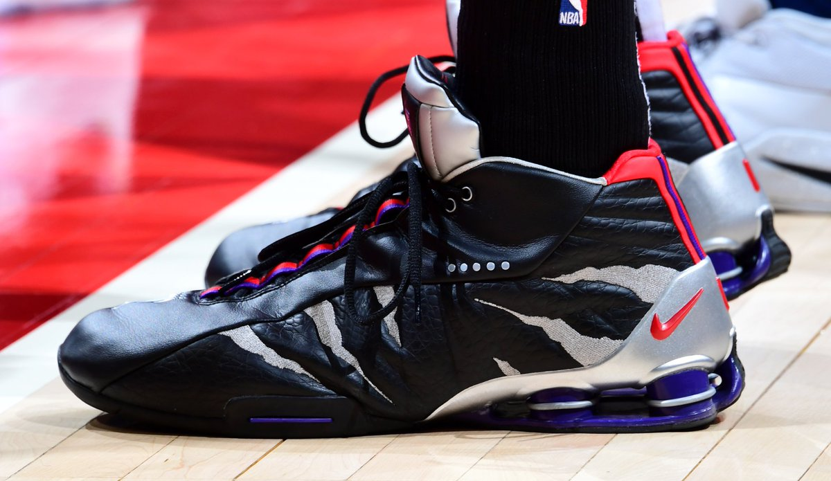 15487bd547c mrvincecarter15 back in his raptors away nike shox bb4 pe scott cunningham